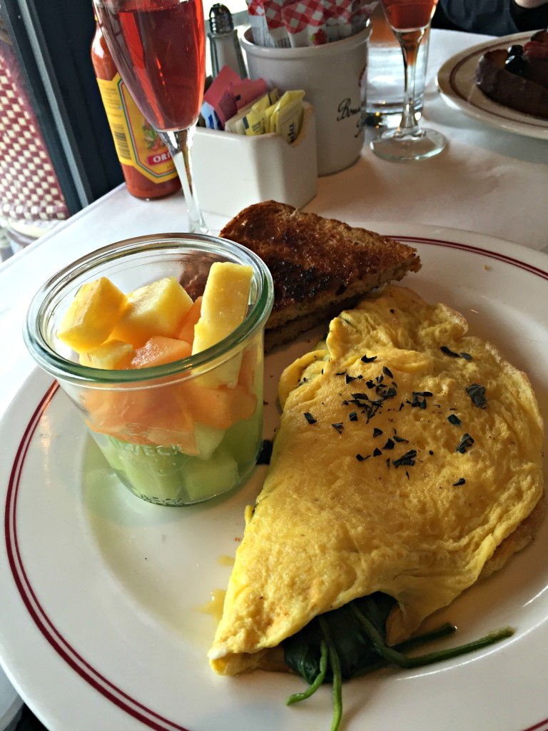 Breakfast at Aquitaine Legacy Place