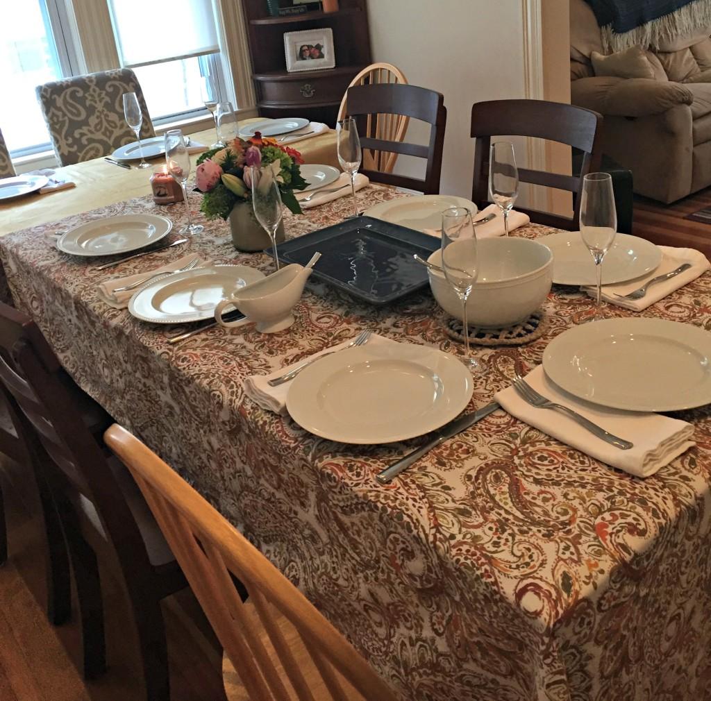 Friendsgiving Dinner Table